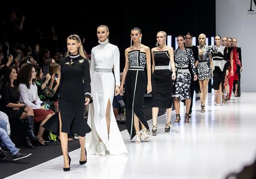 Неделя моды в Москве  самые яркие события третьего дня - Одежда a2aa205a628